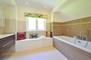 Luxus Badezimmer-Sanitaerbereich